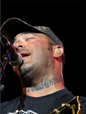 staind 39 s aaron lewis comes full circle with a move to