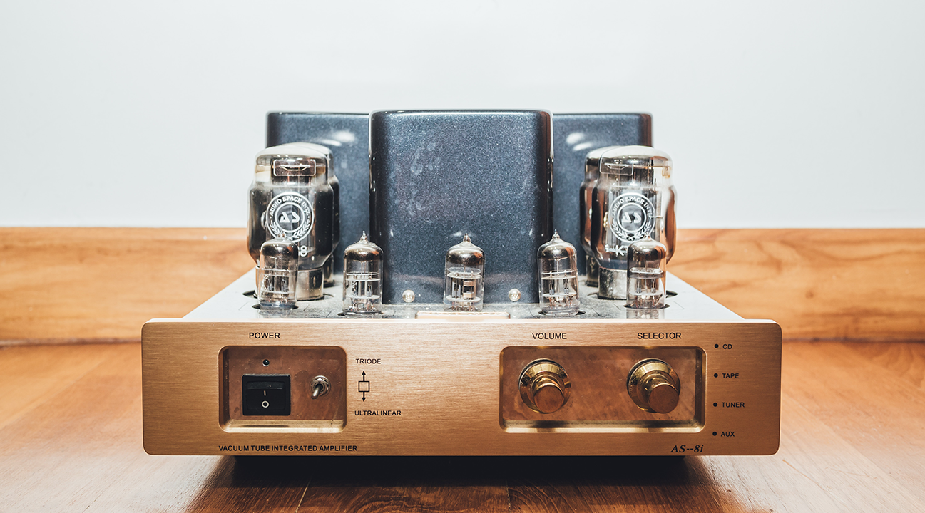 5 Differences Between Tube and Solid-State Amps - Guitar Tricks Blog